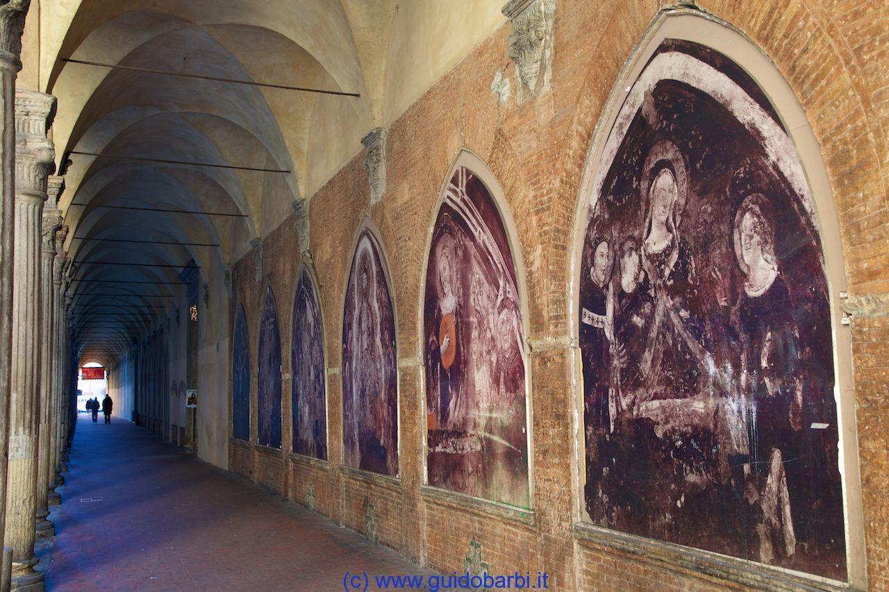 https://www.cralrer.it/rer/wp-content/uploads/sites/2/2014/07/03-Bologna-Il-Portico-del-400-che-congiunge-la-Chiesa-di-San-Giacomo-Maggiore-alla-Chiesa-di.jpg